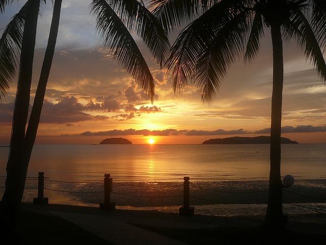 borneo-puesta-de-sol isla Gaya