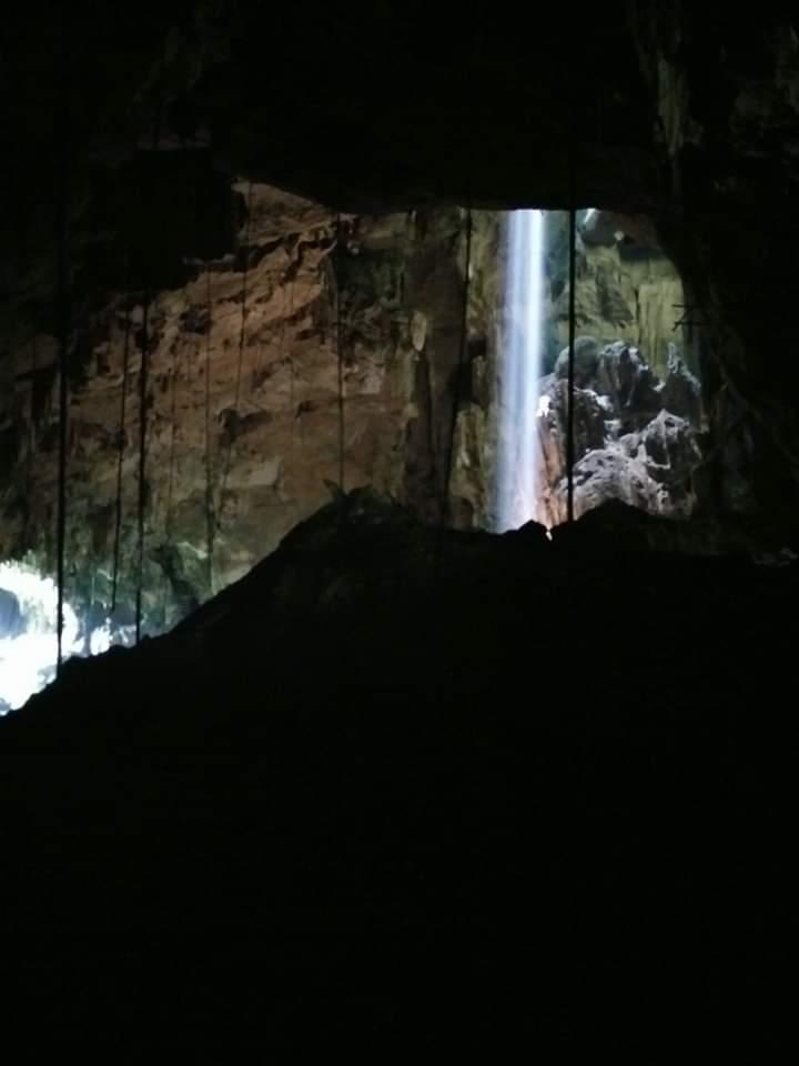 cueva-grande-borneo